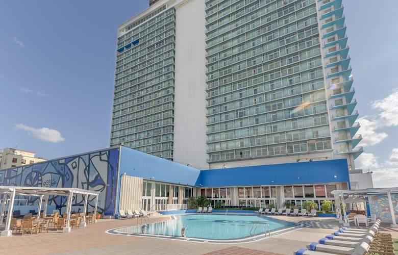 Tryp Habana Libre - Pool - 3