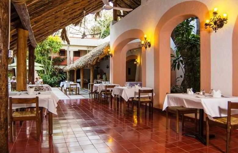 Villas Arqueológicas Chichén Itzá - Restaurant - 33