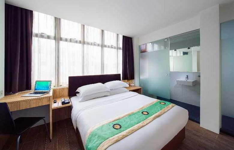 Soluxe Inn - Room - 13