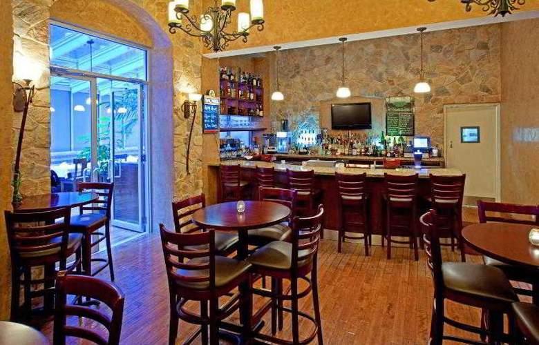 Holiday Inn Manhattan 6th Avenue - Bar - 6