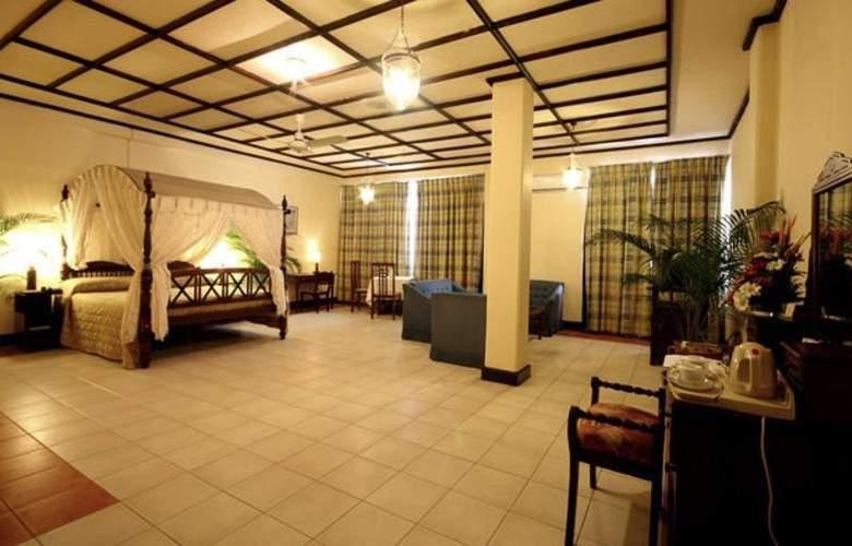 Grand Oriental Hotel - Room - 6