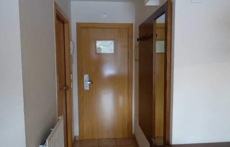 La Serrera Apartamentos - Room - 12
