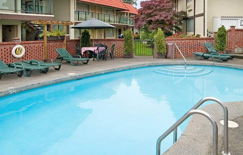 Best Western Kings Inn & Conference Centre - Pool - 18