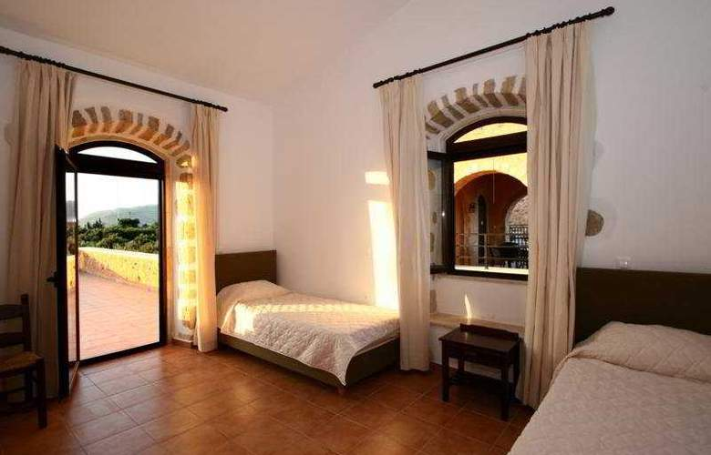 Liberta Villas - Room - 8