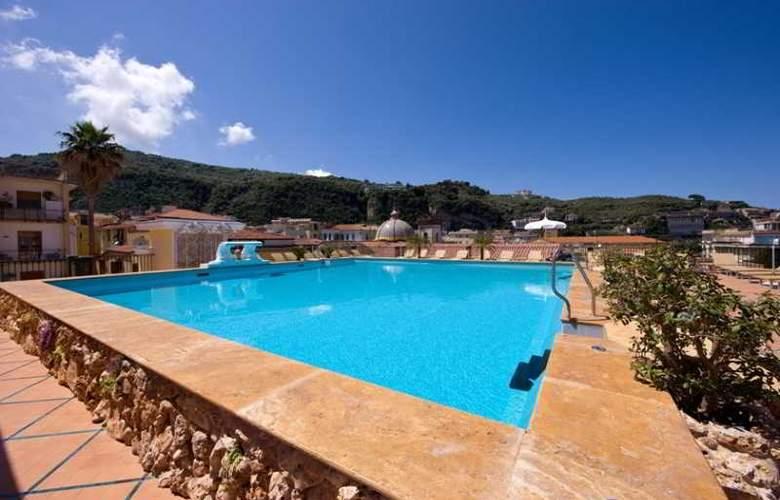 Grand Hotel la Favorita - Pool - 28