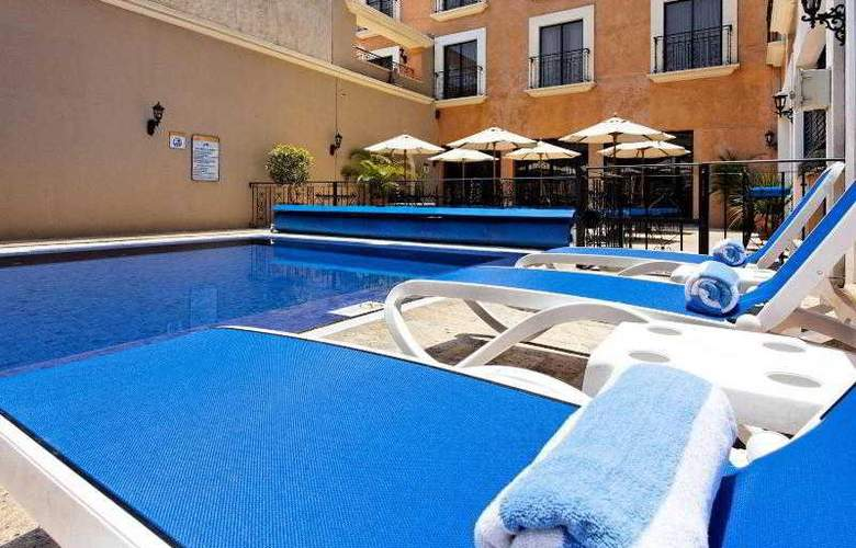 Holiday inn Express Oaxaca Centro Historico - Pool - 18