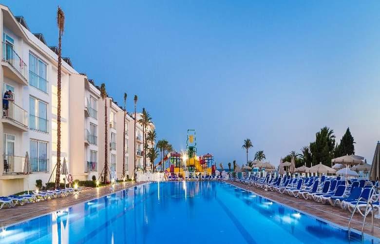Globales Playa Estepona - Pool - 28