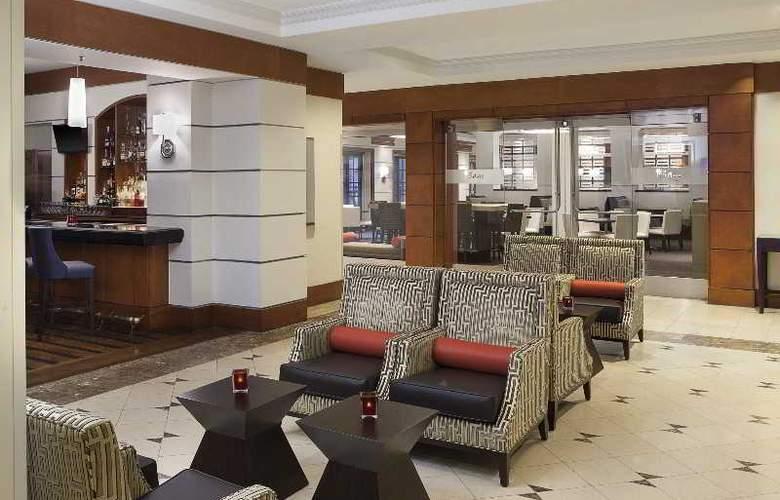 Sheraton Suites Houston near the Galleria - Bar - 36