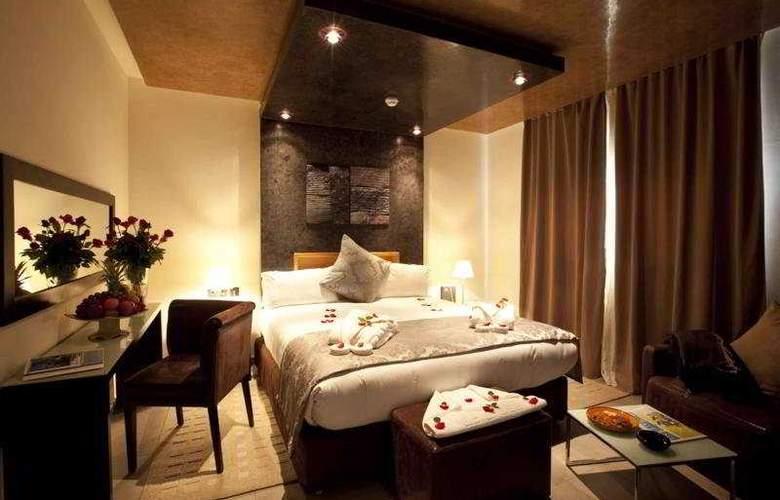 Dellarosa - Room - 10