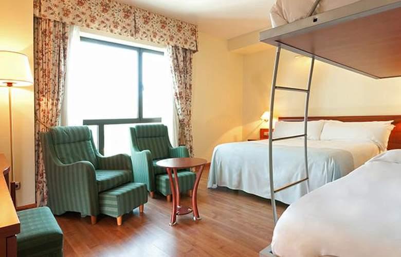 Tryp Gijón Rey Pelayo - Room - 16