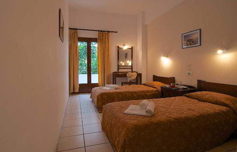Blue Island Hotel - Room - 4