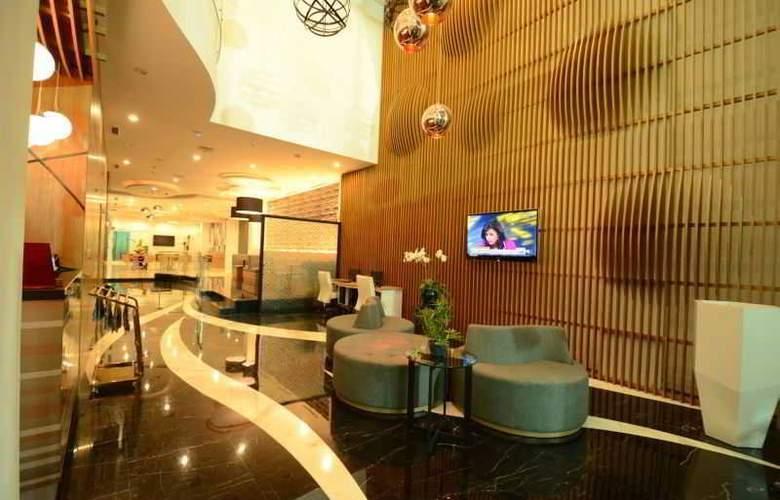 Clay Hotel Jakarta - General - 0