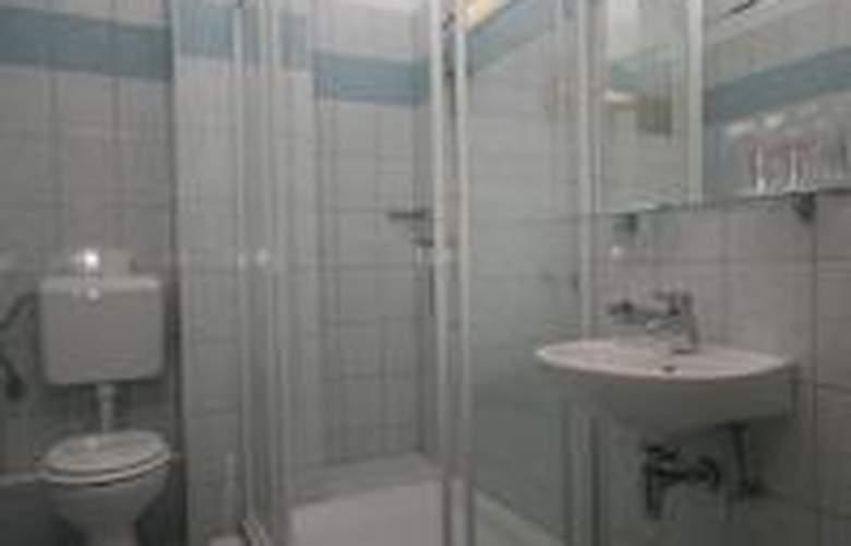 Porto - Room - 11
