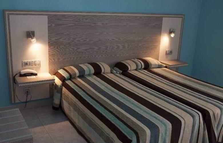 Planas - Room - 10