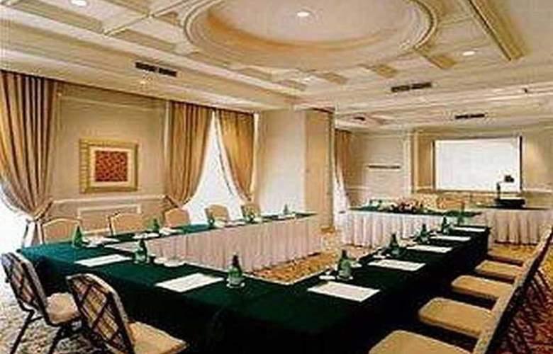 Gran Mahakam - Conference - 18