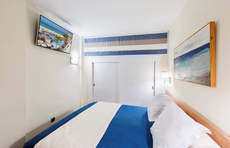 Fontanellas Playa - Room - 17