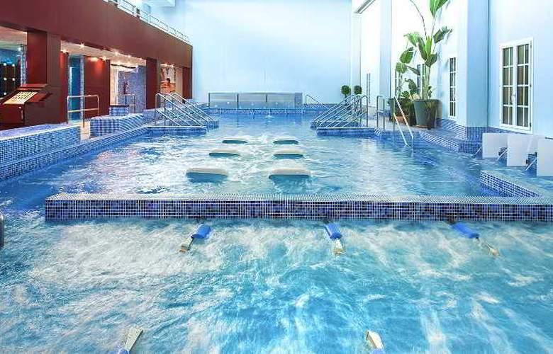 Balneario de Cofrentes - Pool - 2