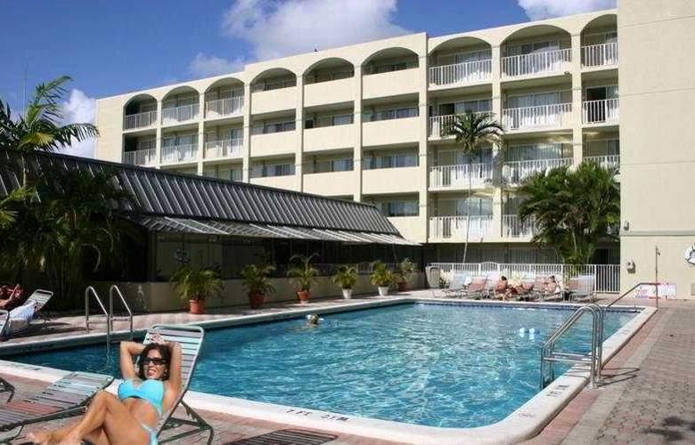 Ocean One Resort - Pool - 4