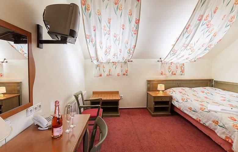Augustus et Otto - Room - 6