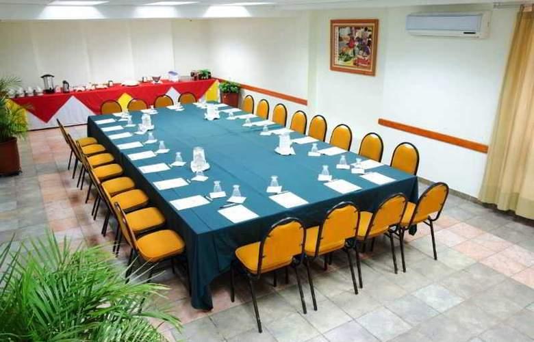 Los Olivos Spa - Conference - 7