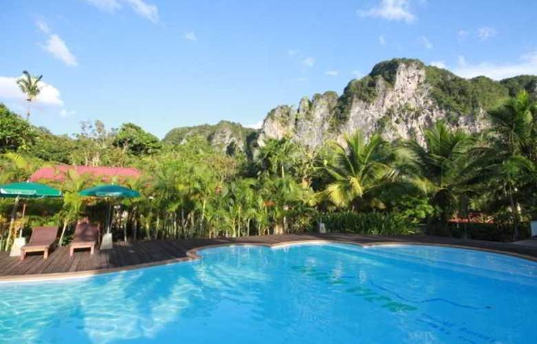 Green View Village Resort - Pool - 20