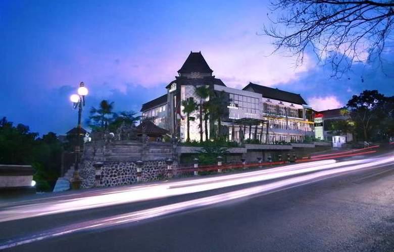 NEO Denpasar - Hotel - 0