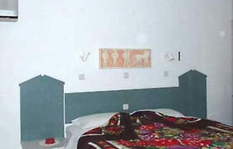 Sabrina - Room - 2
