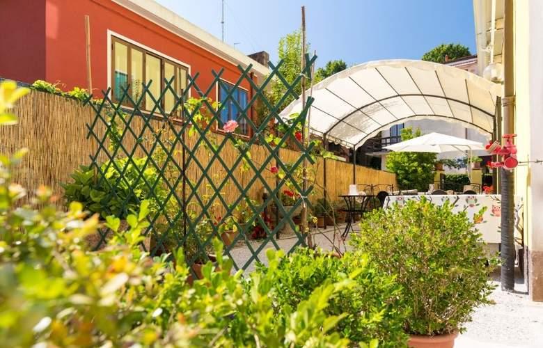Villa Tiziana - Hotel - 0