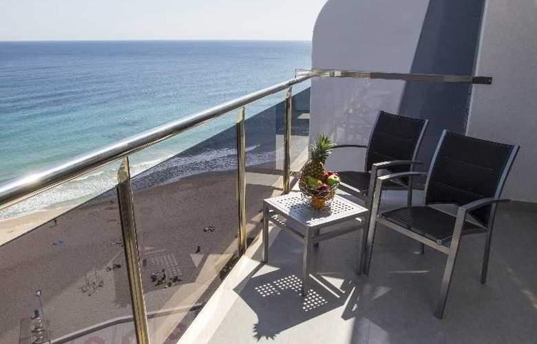 Del Mar - Terrace - 19