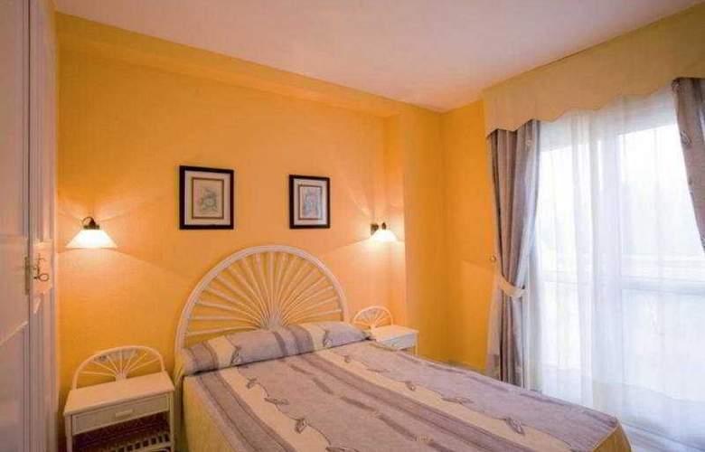 Apartamentos Fenix Beach - Room - 5