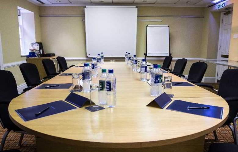 Hilton London Euston - Conference - 24
