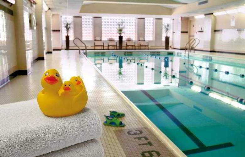 New York Marriott Downtown - Pool - 3