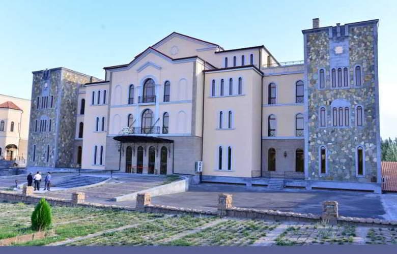 Caucasus - Hotel - 7