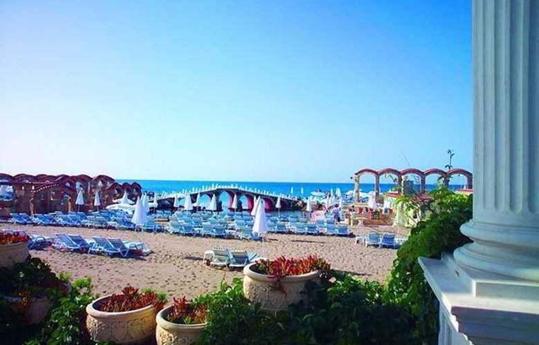 Club Hotel Sera - Beach - 8