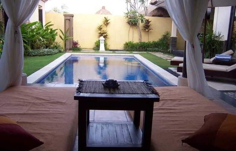Bali Merita Villa - Pool - 8