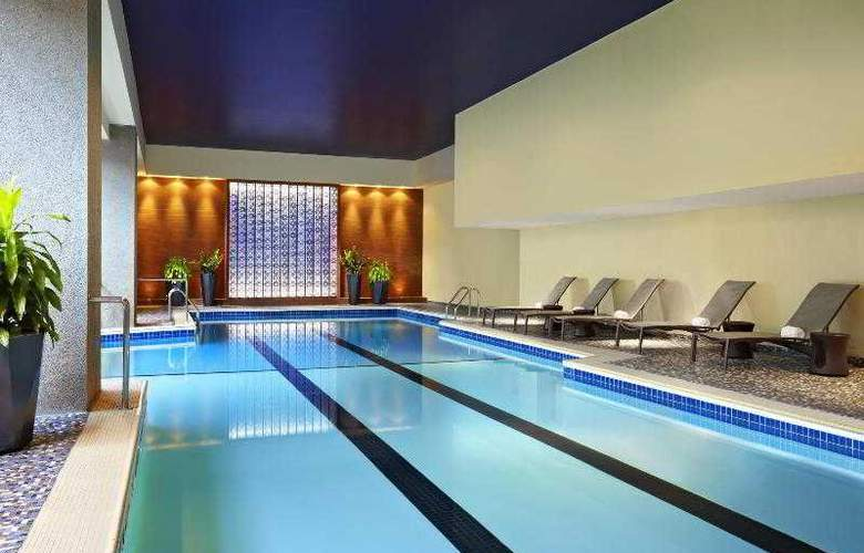 Le Centre Sheraton Hotel Montreal - Pool - 27