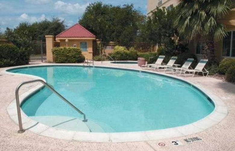 La Quinta Inn & Suites Austin Southwest at Mopac - Pool - 9