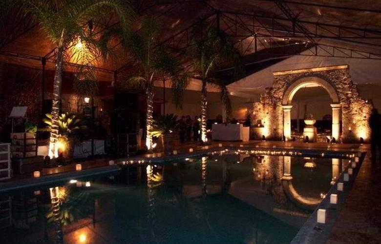 Villa San Jose Hotel & Suites - Pool - 7