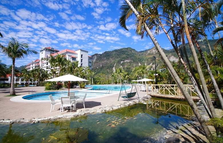 Hibiscus Resort - Pool - 2