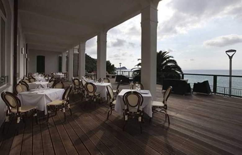 CH Hotel Del Golfo - Terrace - 4