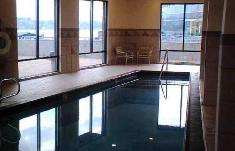 Hampton Inn & Suites Bremerton - Hotel - 7