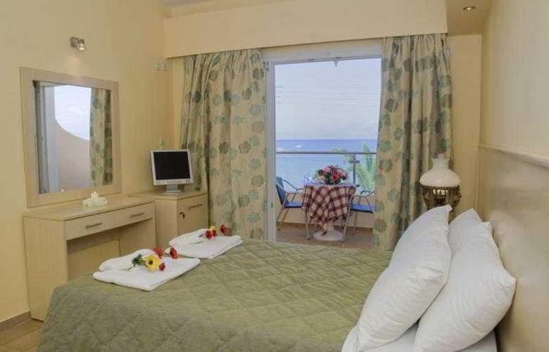 Coral Beach - Room - 3
