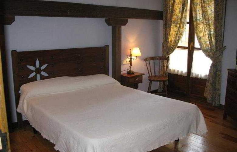 Charlé - Room - 2