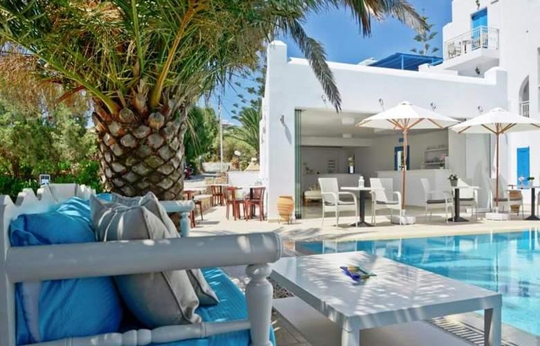 Dilino Hotel Studios - Pool - 9