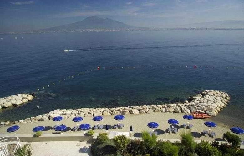 Towers Hotel Stabiae Sorrento Coast - Beach - 4