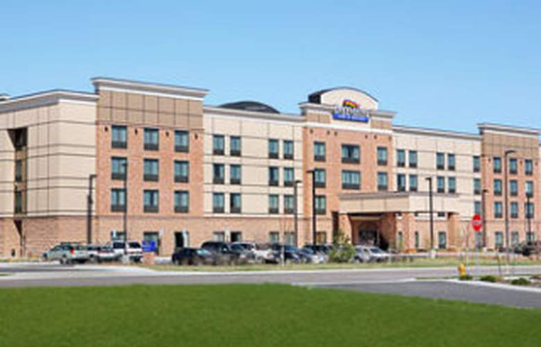 Baymont Inn & Suites Denver International Airport - General - 1