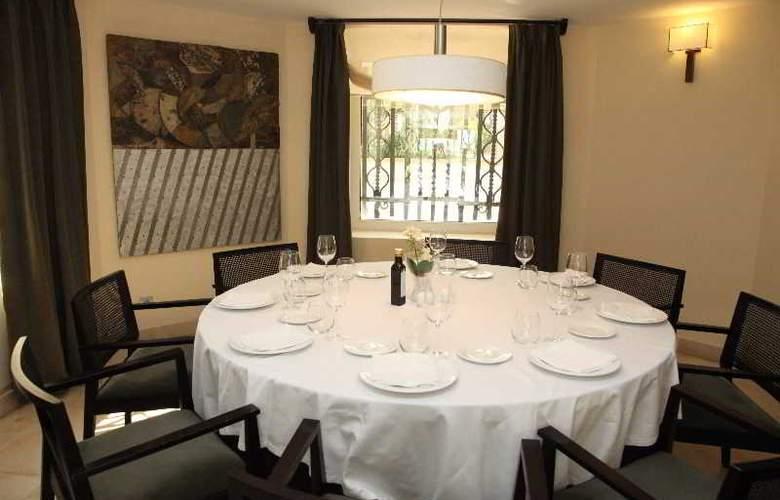 URH Palacio de Oriol - Restaurant - 4
