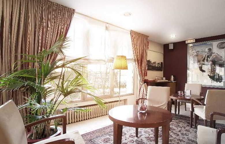 Hotel Sercotel Costabella - Terrace - 9