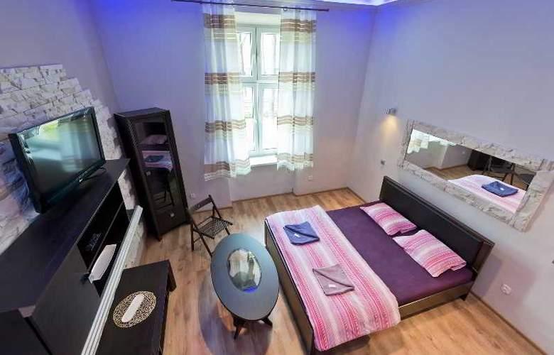 Queens Apartments - Room - 12