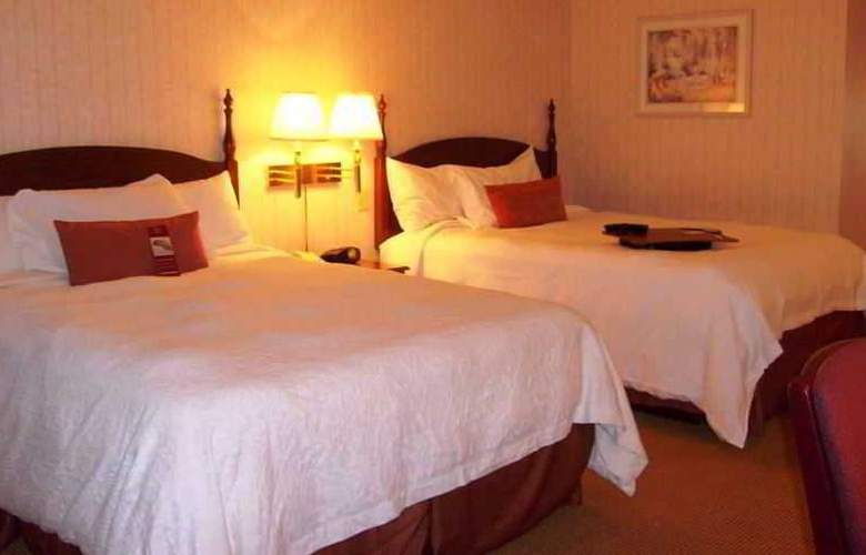 Hampton Inn at the Falls - Room - 1